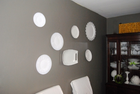 White plates to brighten up the walls