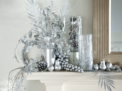 Silver-Christmas-Table-Decorations-with-nice-design